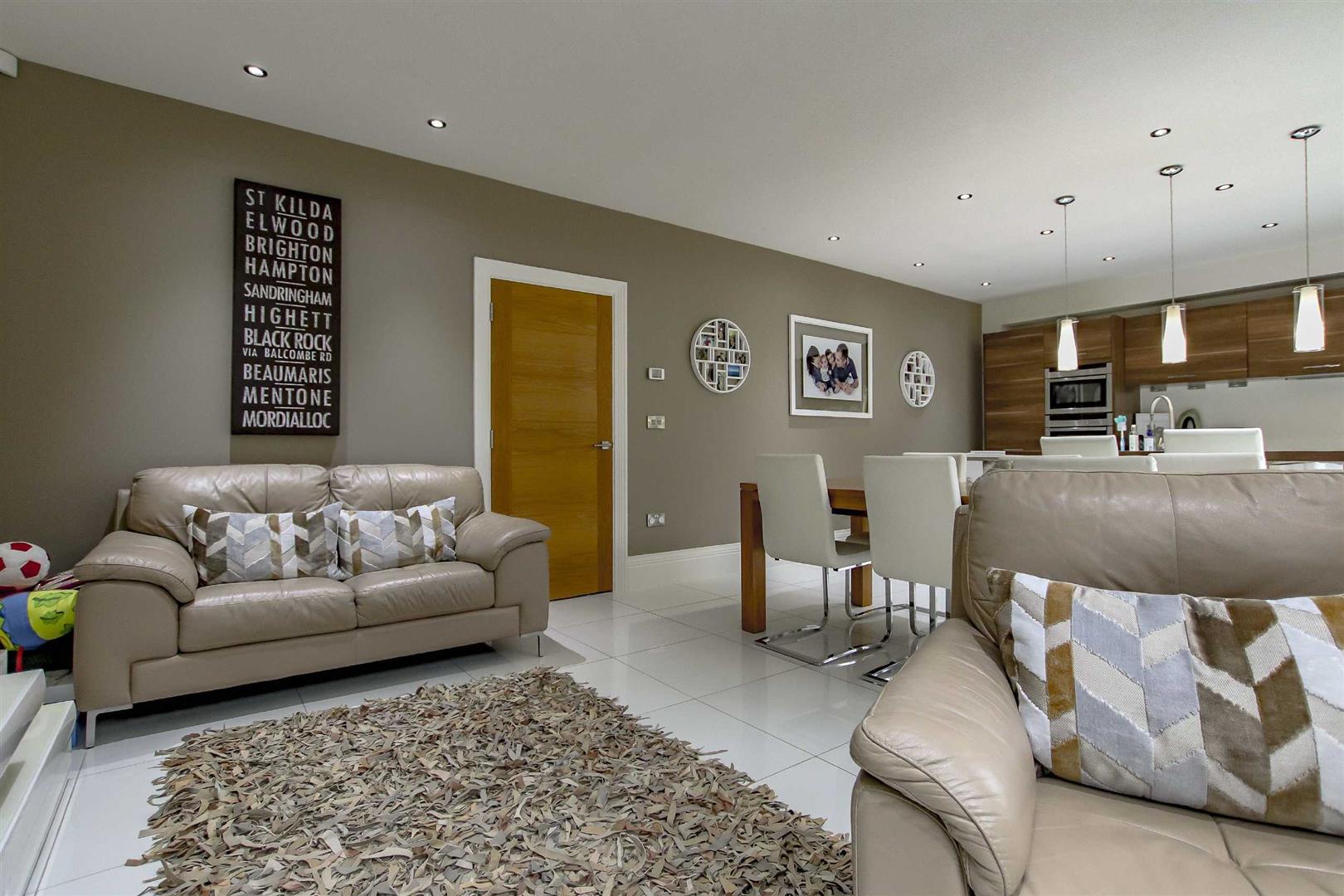 4 Bedroom Detached House For Sale - Image 29